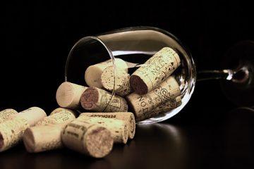 21-jarige bedenkt wijncondoom